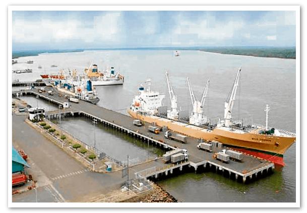 Gruas adquiridas para Puerto Bolívar arribarán en marzo